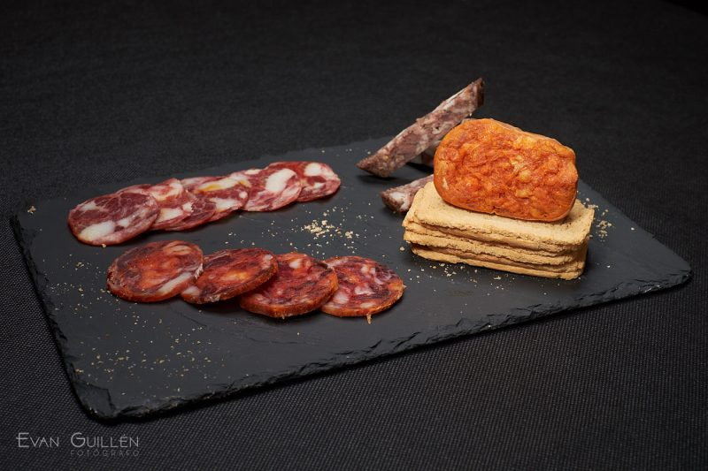 Fotografía de alimentos, tartar de atún rojo.