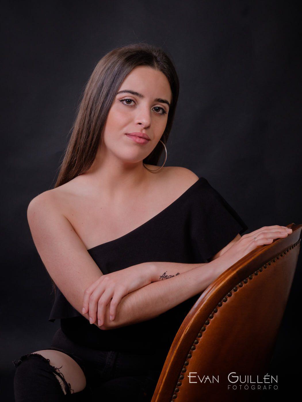 Candidata a reina de las fiestas Monteagudo 2019